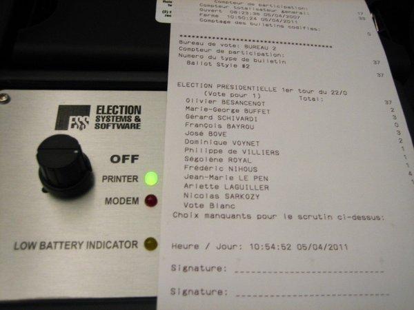 0258000000481111-photo-ivotronic-machines-voter.jpg