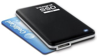 0140000005991074-photo-ssd-portable-usb-3-0-integral-memory.jpg