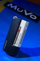 0085000000054779-photo-creative-muvo-fond-bleu.jpg