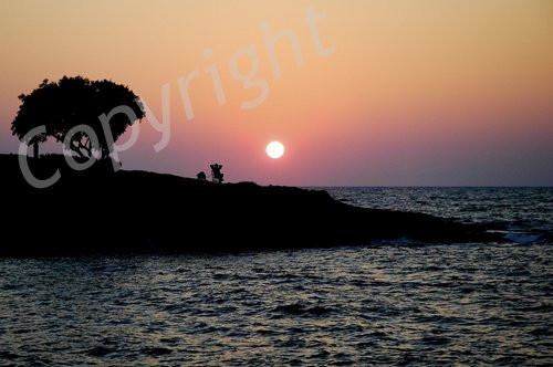 0320000002307778-photo-coucher-de-soleil.jpg