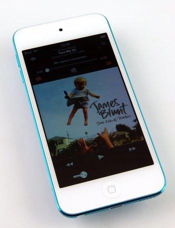 015E000005591923-photo-apple-ipod-touch-5g-1.jpg