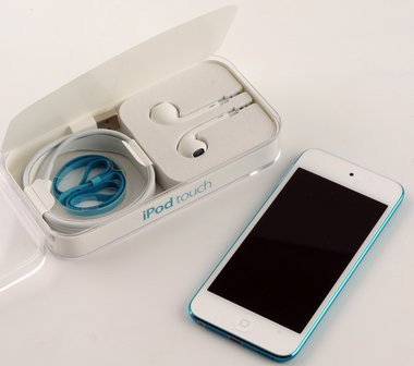 017c000005591941-photo-apple-ipod-touch-5g-10.jpg