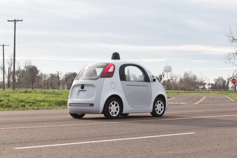0320000008379318-photo-google-car-voiture-autonome-de-google.jpg