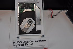 0118000003613532-photo-ceatec-lecteur-hybride-dvd-ssd-hitachi-lg.jpg