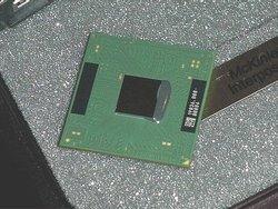 00fa000000050043-photo-pentium-iv-mobile.jpg