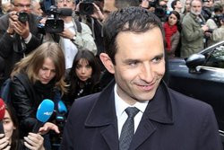 00FA000007274360-photo-beno-t-hamon-ministre-de-l-education-nationale-de-l-enseignement-sup-rieur-et-de-la-recherche.jpg