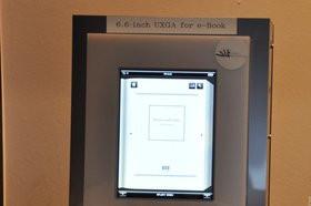 0118000003620172-photo-ecran-tablette-et-ebook-hitachi.jpg