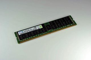0140000005282324-photo-samsung-ddr4.jpg