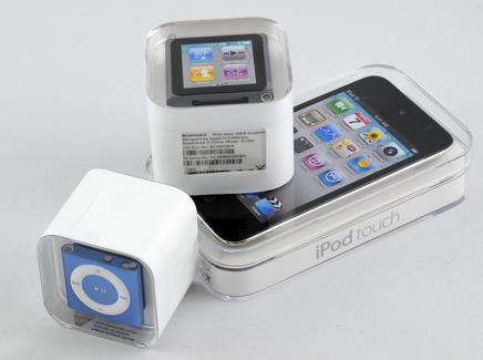 0000014503535022-photo-apple-ipod-2010-bo-tes-1.jpg