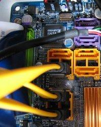 000000fa00411760-photo-montage-pc-serial-ata-cm.jpg