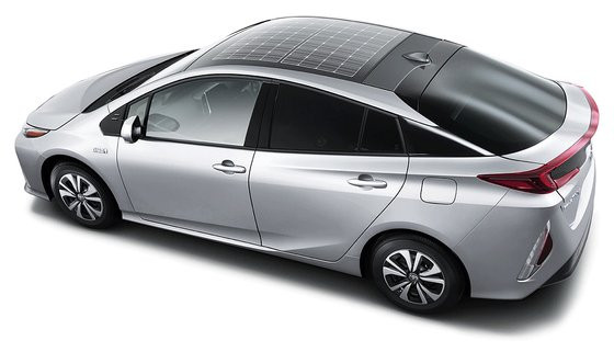 0230000008480066-photo-toyota-prius-rechargeable-panneau-solaire.jpg