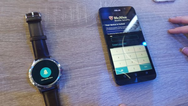0258000008360938-photo-intel-security-android-wear.jpg