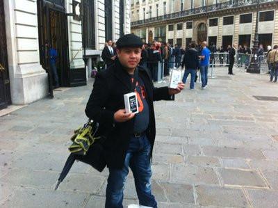 0190000006654378-photo-lancement-iphone-5s-5c.jpg