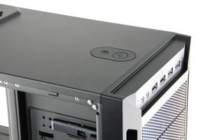012c000004961938-photo-antec-eleven-hundred.jpg