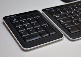 000000C802405836-photo-microsoft-bluetooth-mobile-keyboard-6000.jpg