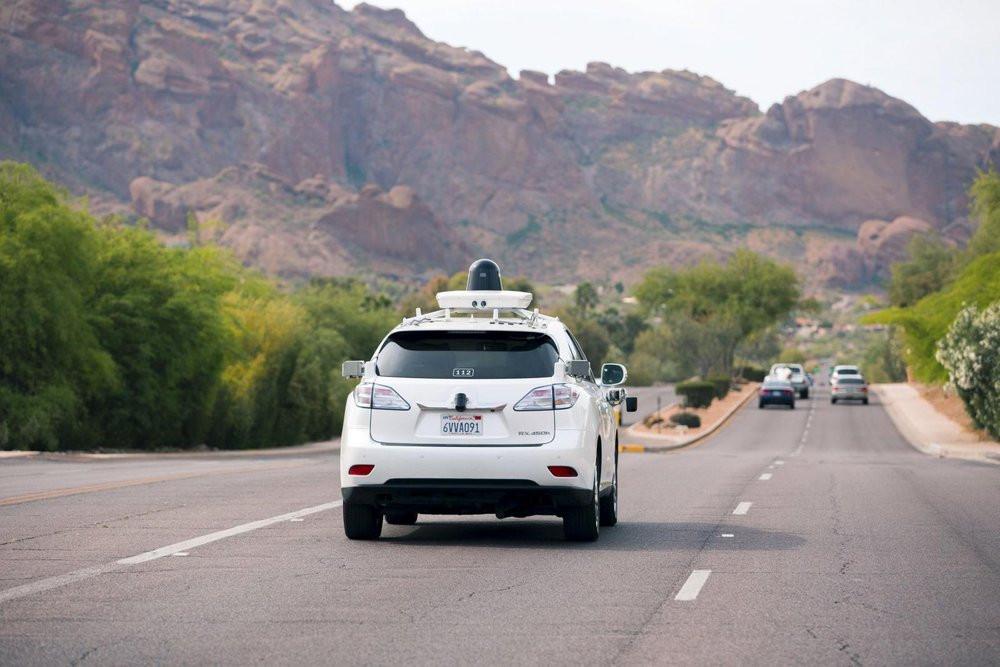 03E8000008407862-photo-google-car-voiture-autonome-de-google-lexus-rx-450h-arizona.jpg