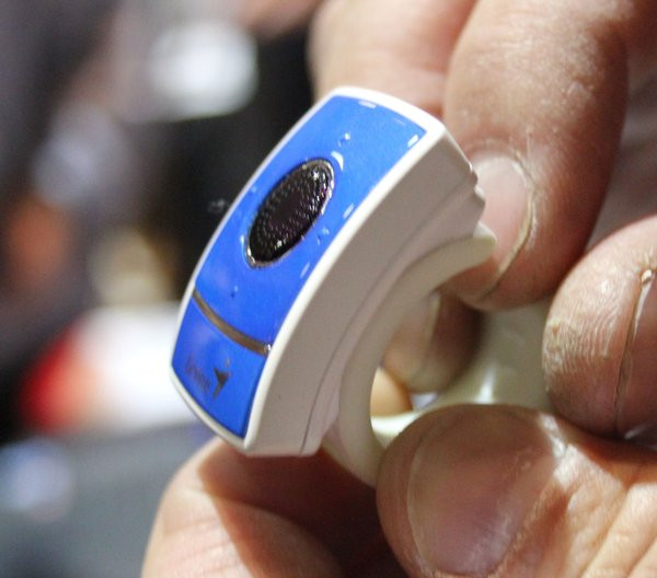 0258000005638704-photo-ring-mouse-2-genius.jpg