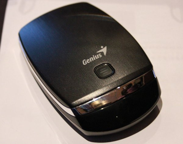 0258000005638702-photo-touch-mouse-6000-genius.jpg