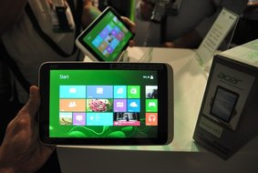 000000BE06012938-photo-acer-iconia-w3.jpg