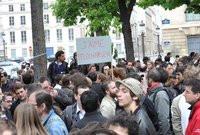 00C8000002042734-photo-manifestation-anti-hadopi-paris-le-25-avril-2009.jpg