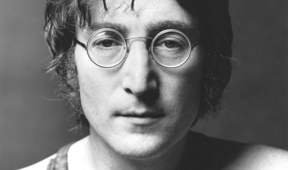 03E8000007668781-photo-portrait-officiel-de-john-lennon-recadr.jpg