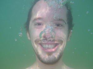 012c000003344108-photo-pentax-optio-w90-auto-portrait-subaquatique-net.jpg