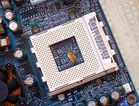 00C8000000049425-photo-gigabyte-ga-7dxr-un-socket-462-bien-d-gag.jpg