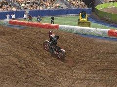 00f0000000051197-photo-moto-racer-3-le-graphisme-du-cross-est-tr-s-r-ussis.jpg