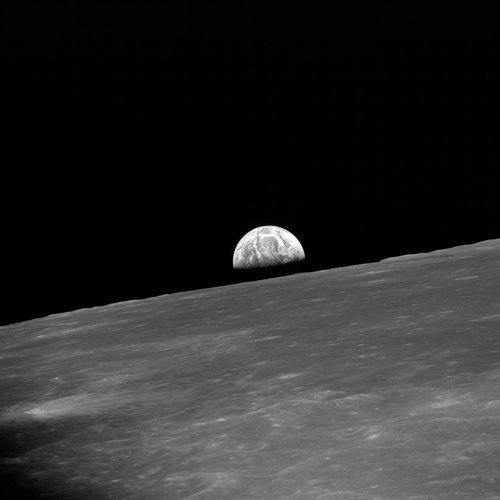 01f4000008356106-photo-nasa-la-lune.jpg