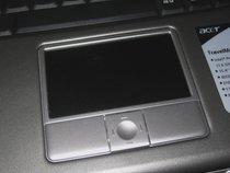 00d2000000113145-photo-acer-4502wlci-un-touchpad-un-petit-peu-particulier.jpg