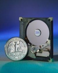 00C8000000046445-photo-disque-ibm-microdrive.jpg