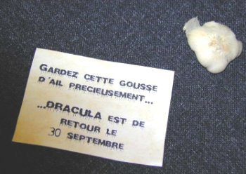 015E000000045989-photo-gousse-d-ail-dracula.jpg