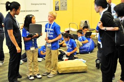 0000011803552886-photo-intel-idf-2010-classmate-pc-kids.jpg