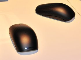 0118000003899184-photo-microsoft-ces-2011-touch-mouse-1.jpg