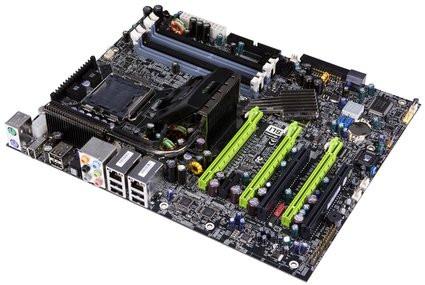 0000011D00701694-photo-nvidia-carte-m-re-nforce-780i-sli.jpg