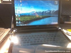 00FA000003539602-photo-acer-dual-screen.jpg