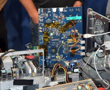 0000012702440252-photo-intel-lightpeak.jpg