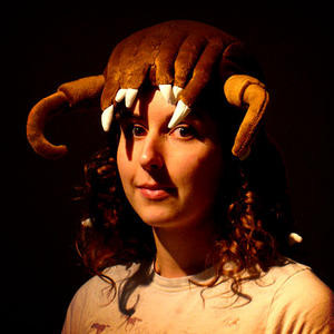 012C000000410474-photo-valve-headcrab-hat.jpg