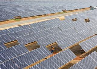 0140000006679648-photo-centrale-solaire-d-apple-maiden-en-caroline-du-nord.jpg