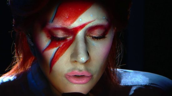 0226000008348070-photo-lady-gaga-intel-et-david-bowie-aux-grammy-awards-2016.jpg