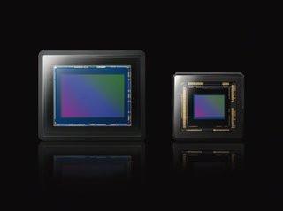 0140000005213964-photo-capteur-cmos-1-pouce-du-sony-cyber-shot-rx100-compar-un-capteur-de-1-2-3-pouce.jpg