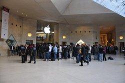 00fa000003231928-photo-apple-store-paris-lancement-ipad.jpg