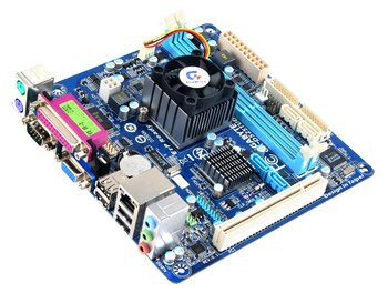 015E000003420552-photo-carte-m-re-ga-d525tud-de-gigabyte-mini-itx.jpg