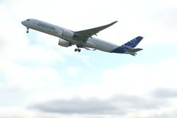 00FA000006055410-photo-l-a350-le-nouvel-avion-d-airbus-a-effectu-son-premier-vol.jpg