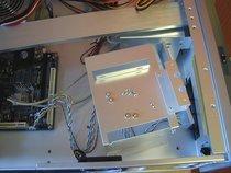 00d2000000059205-photo-coolermaster-atc-600-que-de-manipulations-pour-monter-un-disque.jpg