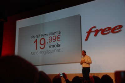 0190000004866182-photo-lancement-free-mobile.jpg