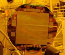 00FA000000315934-photo-capteur-ccd-111-millions-de-pixels.jpg