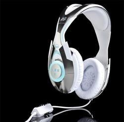00fa000003818154-photo-daft-punk-edition-tron-legacy-headphones-by-monster.jpg