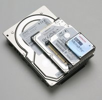 000000C800433691-photo-disques-durs-hitachi.jpg