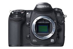 00FA000000452757-photo-appareil-photo-num-rique-fujifilm-finepix-s5-pro.jpg